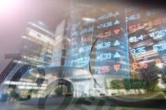 Financiën, het bank concept Euro muntstukken, ons het close-up van het dollarbankbiljet Abstract beeld van Financieel systeem met Royalty-vrije Stock Fotografie