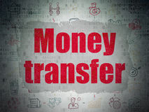 Financiënconcept: Geldoverdracht op Digitaal Document Stock Fotografie