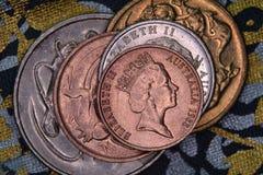 Financiënpiramide - Australische die muntstukken op elkaar worden gestapeld royalty-vrije stock afbeeldingen