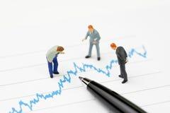 Financieel analyse, beleggingsadviseur of adviseursconcept, mi Royalty-vrije Stock Afbeelding