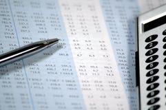 Financieel en bedrijfsrapport royalty-vrije stock foto