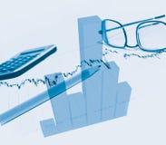 Financieel grafiek en potlood Royalty-vrije Stock Afbeelding