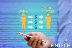 Financier et technologie et x28 ; FinTech& x29 ; concept Banquier pour louer le partn image libre de droits