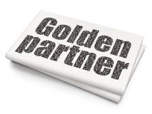 Finansbegrepp: Guld- partner på tom tidningsbakgrund Royaltyfri Fotografi