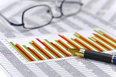 Finanse i obliczenie przy rynkiem papierów wartościowych zdjęcie stock