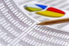 Finanse i obliczenie przy rynkiem papierów wartościowych fotografia stock