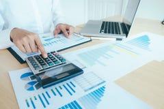 Finanser som sparar ekonomibegrepp royaltyfria foton