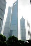 Finansiell mitt och Shanghai torn Fotografering för Bildbyråer