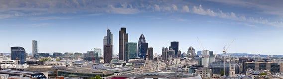 Finansiell område och i stadens centrum, London, UK Arkivfoton