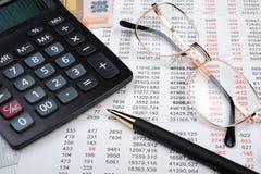 finansiell rapport arkivfoton