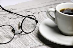 finansiell tidning arkivbild