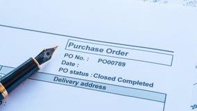 Finansiell uppehälle för avtal för köpbeställningsdokument i mappen royaltyfri fotografi