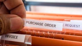 Finansiell uppehälle för avtal för köpbeställningsdokument i mappen royaltyfria bilder