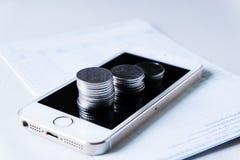 Finansiella och teknologitransaktioner royaltyfria bilder