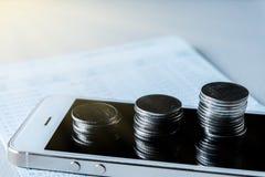 Finansiella och teknologitransaktioner fotografering för bildbyråer