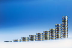 Finansiellt diagram - grafen av ekonomisk tillväxt Arkivbild