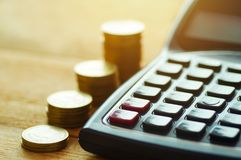 Finansowa kapitałowa bankowość, księgowości pojęcie, pieniądze monety i c, Fotografia Royalty Free
