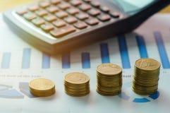 Finansowa kapitałowa bankowość, księgowości pojęcie, pieniądze monety i c, Zdjęcie Royalty Free