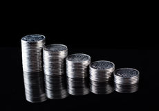 Finansreflexion och affärsvinst metallmynt Royaltyfria Foton