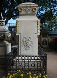 Finanzanzeige auf dem Grab von Michael Lomonosov - der große Wissenschaftler Lizenzfreie Stockbilder