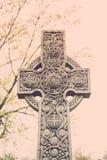 Finanzanzeige des keltischen Kreuzes Stockfoto
