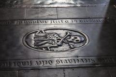 Finanzanzeige von den Mittelalter in der historischen Kirche Lizenzfreie Stockfotografie