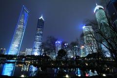 Finanzas de Shangai Lujiazui y paisaje urbano de los edificios de la ciudad Imágenes de archivo libres de regalías