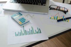 Finanzas del negocio, considerando imágenes de archivo libres de regalías