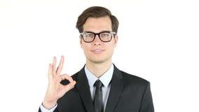 finanzas, Internet, negocio, concepto del éxito, hombre de negocios que muestra la muestra aceptable almacen de metraje de vídeo