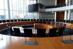 Finanzausschusszaal binnen Bundestag royalty-vrije stock afbeeldingen