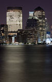 Finanzbezirk Manhattan nachts Stockbild