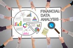 Finanzdatenanalysekonzept auf einem whiteboard Stockbild