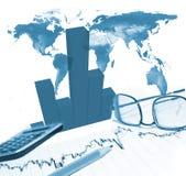 Finanzdiagramm und Bleistift Lizenzfreie Stockfotografie