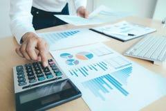 Finanze che conservano concetto di economia immagini stock
