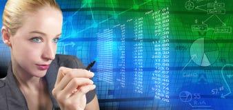 Finanzfrau und abstrakte Diagramme Stockbild