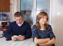 Finanzprobleme in der Familie stockfotos