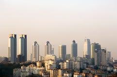Finanzwolkenkratzer, die Istanbul-Türkei stockbilder
