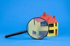 Finden Sie ein Haus Stockbilder
