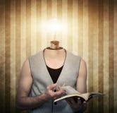 Finden von Ideen in den dunklen Momenten lizenzfreies stockfoto