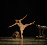 Finding balance-Modern dance-choreographer henry yu Royalty Free Stock Photos