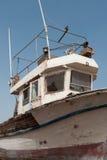 Fine abbandonata della barca su Fotografie Stock