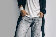 Fine alla moda del giovane su su fondo bianco Fotografia Stock Libera da Diritti