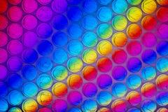 Fine astratta sullo strato dell'involucro di bolla con fondo variopinto fotografia stock libera da diritti