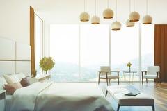Fine bianca e beige della camera da letto sul lato tonificato Immagini Stock