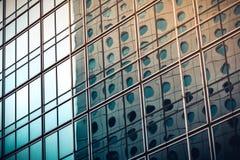 Fine commerciale moderna della costruzione sulla vista Immagini Stock