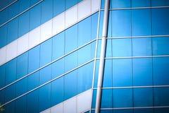 Fine commerciale moderna della costruzione sulla vista Immagine Stock