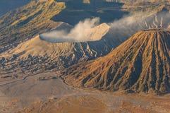 Fine del cratere di Bromo sulla vista Immagine Stock