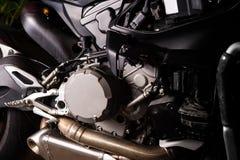 Fine del motore del motociclo su servizio di manutenzione fotografia stock libera da diritti