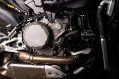 Fine del motore del motociclo su servizio di manutenzione fotografia stock