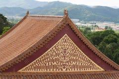 Fine del tempio del cinese tradizionale su Immagini Stock Libere da Diritti